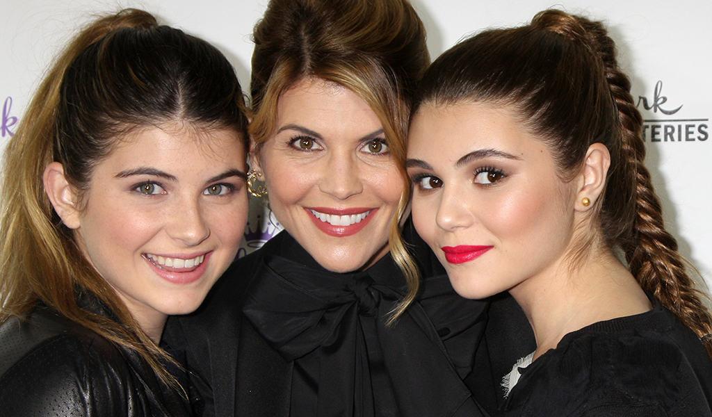 photo of Lori Loughlin and daughters