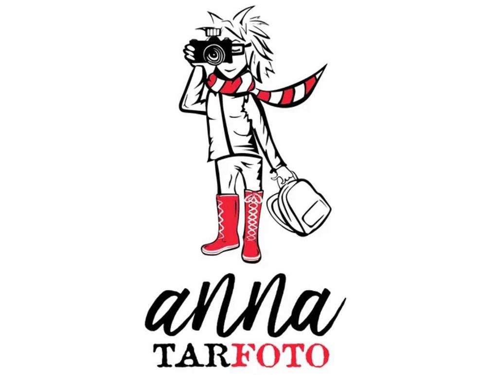 personal brand logo for anna tarfoto, photographer